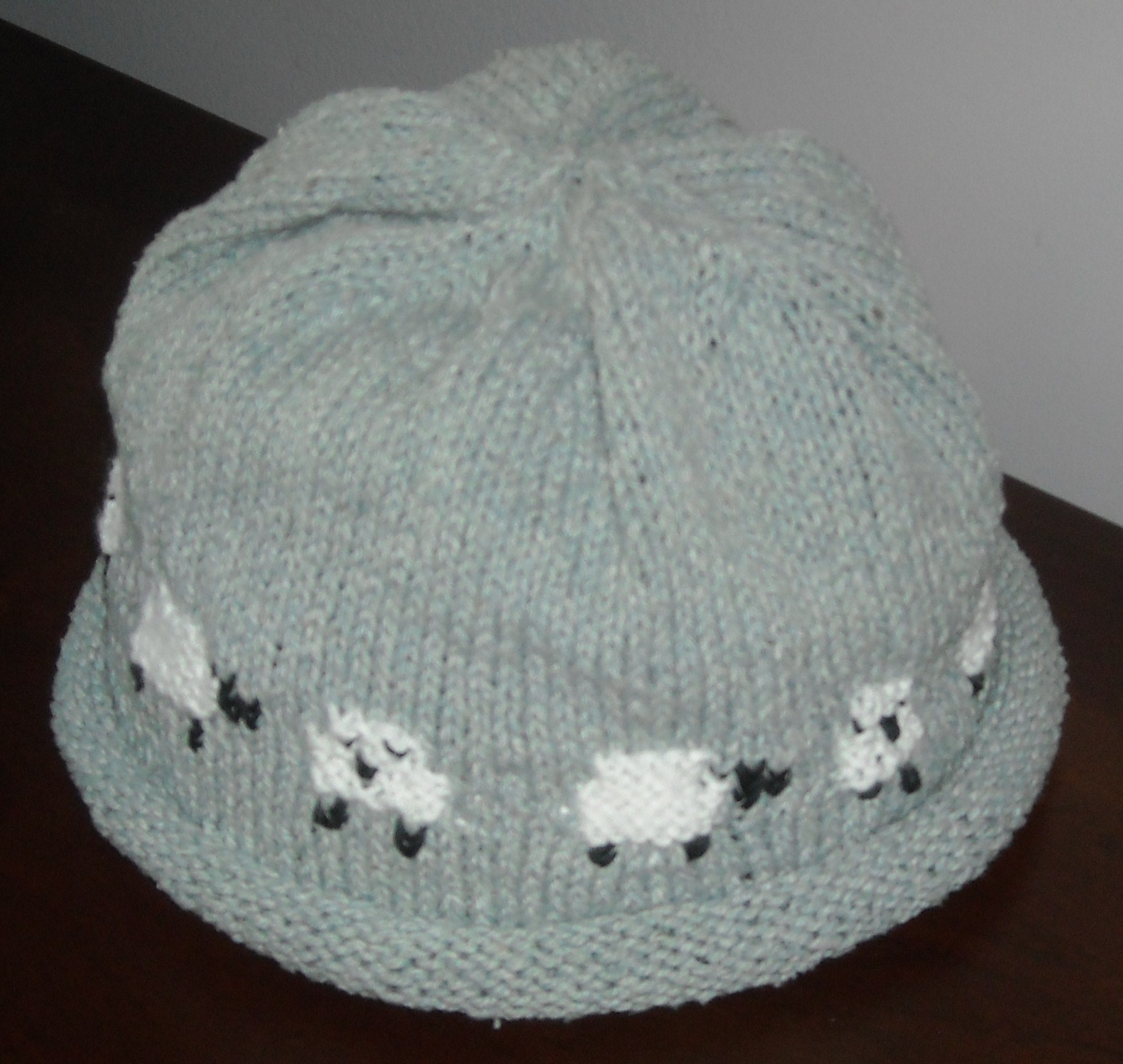 Sheep motif hat done wool free and lovin knit sheep motif hat 004 bankloansurffo Gallery