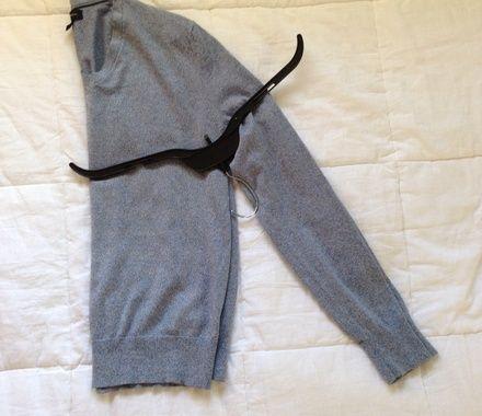 Sweater-hang