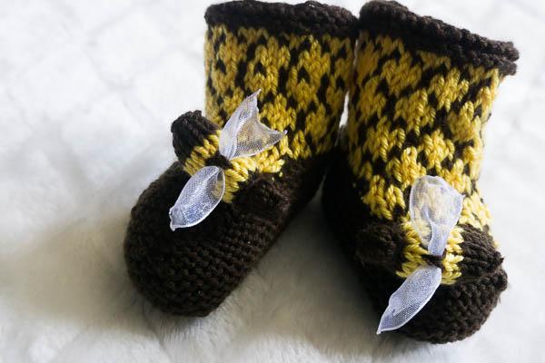 Bee booties-1